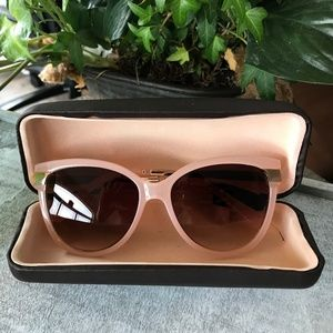 Authentic Adrienne Vittadini sophystic. Sunglasses